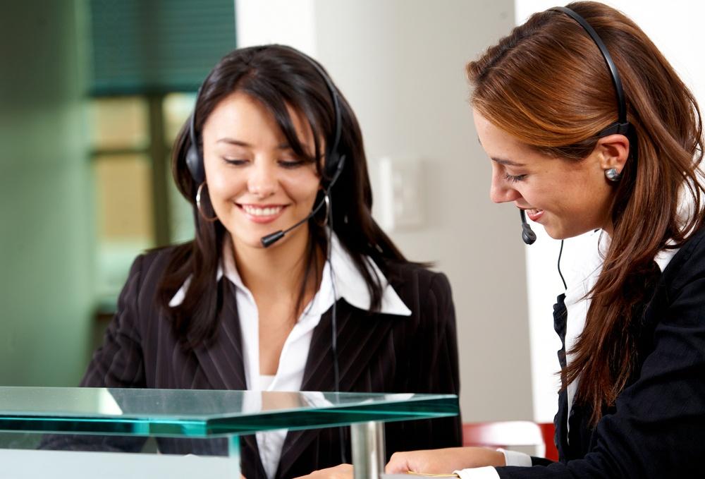 Asesores-felices-mejoran-la-satisfaccion-de-tus-clientes-descubre-como